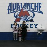 Иван, Мария и Милчо Хараланови с Chicago Bruins на турнира по хокей Avalanche в гр. Monroe, Wisconsin, USA Ivan, Maria and Milcho Haralanovi with The Chicago Bruins during the Avalanche Hockey Tournament in Monroe, Wisconsin, USA.